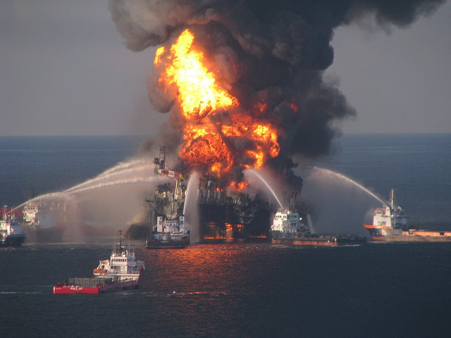 Oil rig disaster, Gulf of Mexico, 2010 [EPI2oh]